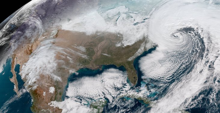 a satellite image of a noreaster approaching the northeastern United States